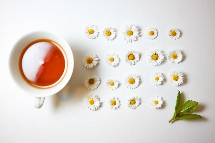 Chemical compounds found in chamomile