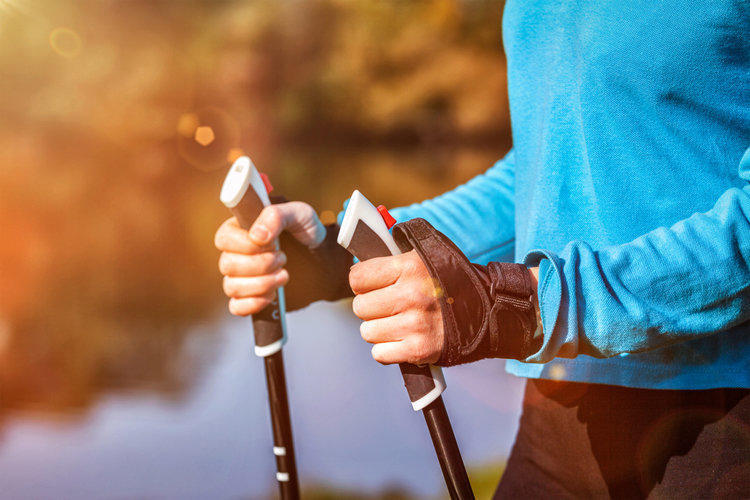 Why does osteochondrosis occur and how is it treated?