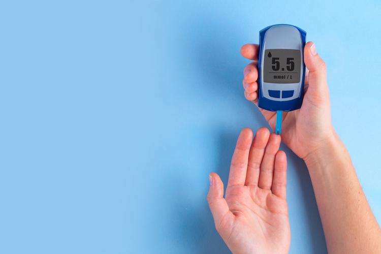 Blood sugar testing device